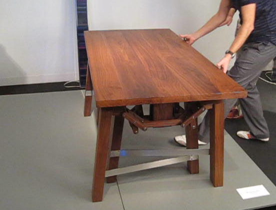 Wouter Scheublin's Walking Table