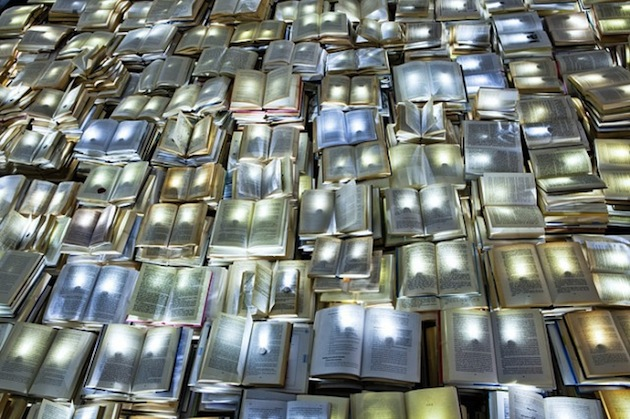 10000-Retired-Books-Create-Literature-Versus-Traffic-Installation-3