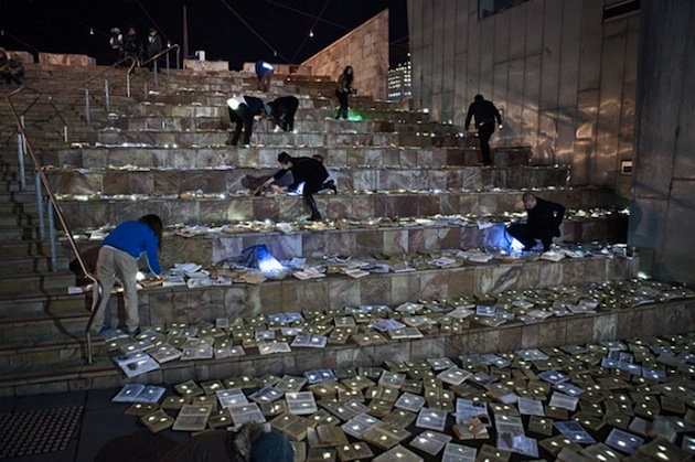 10000-Retired-Books-Create-Literature-Versus-Traffic-Installation-5