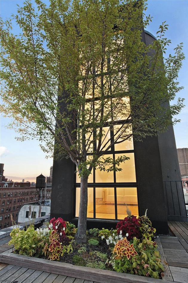 Spacious-Greenwich-Village-Repurposed-Water-Tank-2