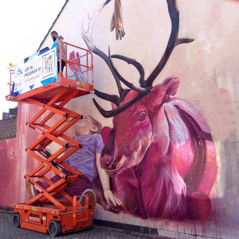 Hyperrealistic_Mural_by_Street_Artists_TelmoMiel_in_Heerlen_2015_04