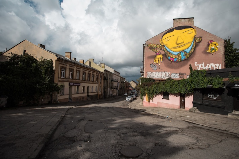 Brazilian_Street_Art_Twins_Os_Gemeos_Created_A_New_Mural_in_Vilnius_Lithuania_2015_05