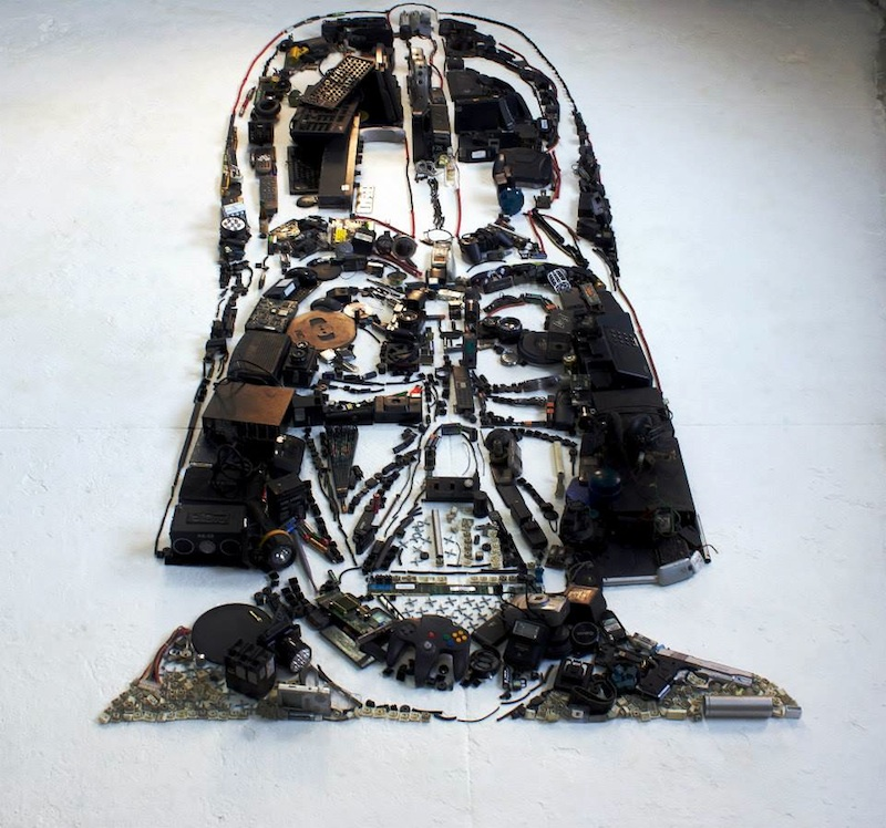 Incredible_Portraits_Of_Famous_Characters_Made_of_Obsolete_Electronic_Scraps_by_Artist_Christian_Pierini_2015_05