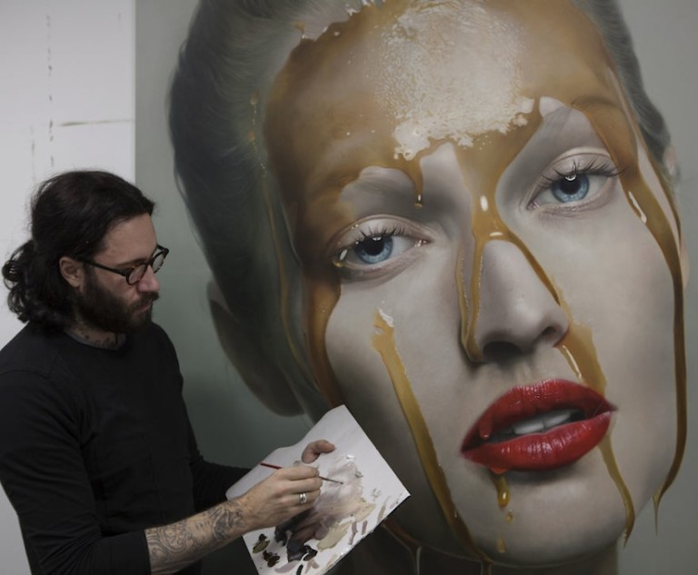 New_Awesome_Hyperrealistic_Oil_Paintings_by_German_Artist_Mike_Dargas_2016_03-768x633