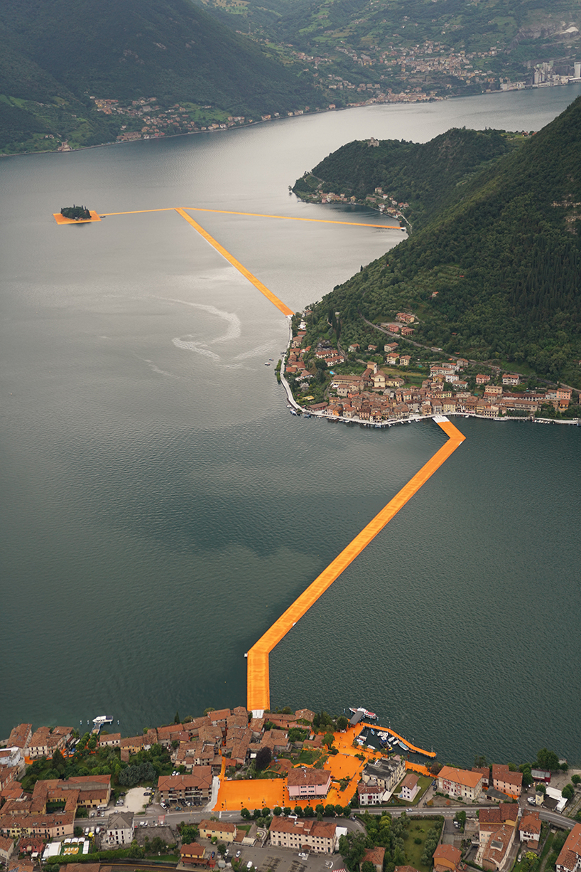 christo-and-jeanne-claude-floating-piers-lake-iseo-italy-04